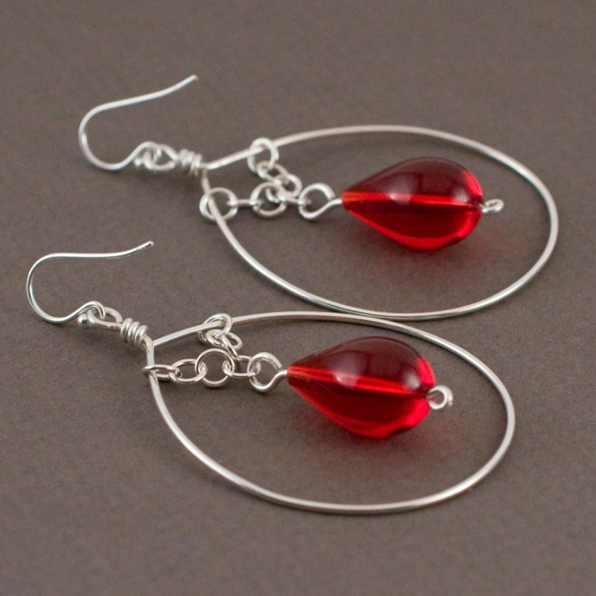 Crimson in Loops. Earrings.